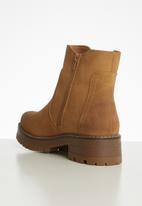 Miss Black - Fox 3 boot - tan