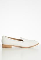 Superbalist - Kea loafer - white