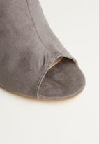 Superbalist - Daeny court stilletto heel - grey