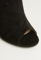 Superbalist - Daeny court stilletto heel - black