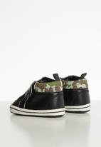 POP CANDY - Strap on camo booties - black