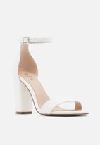 Call It Spring - Tayvia heel - white