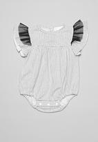 POP CANDY - Baby romper with frill sleeves - black & white