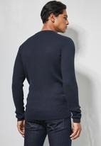 Superbalist - Ribbed slim fit crew neck knit - charcoal