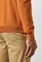 Superbalist - Basic slim fit V-neck knit - burnt orange