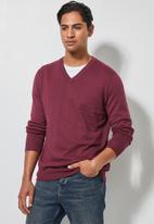 Superbalist - Basic slim fit V-neck knit - burgundy