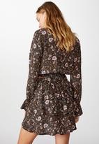 Cotton On - Byron tiered mini skirt Jordyn floral - raven
