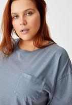 Cotton On - Curve the one boyfriend crew tee - washed folkstone grey