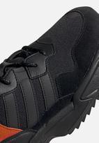 adidas Originals - Yung-96 trail - core black/trace grey met./flash orange