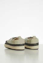 POP CANDY - Slip on boat shoe - charcoal & beige