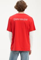 Levi's® - Graphic set-in tee - red