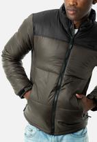 JEEP - Hero puffer jacket - khaki & black