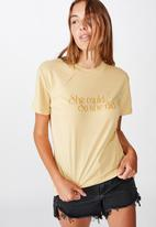 Cotton On - Classic slogan T-shirt she did - yellow