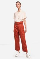 Glamorous - Petite high waisted belted cargo trouser  - rust
