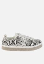 Sissy Boy - Duchess sneaker - white & black