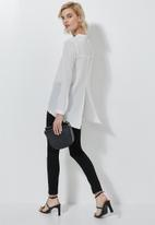 Superbalist - Longline high neck blouse with zip detail - white