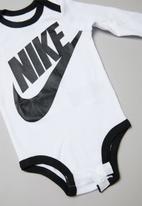 Nike - Futura 3 piece set - white