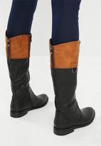 Miss Black - Journey boot - black & tan