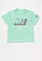 Nike - Nike block knockout ss tee - emerald rise