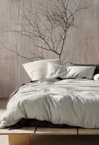 Linen House - Napier duvet cover set - black