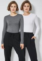 Superbalist - 2 Pack long sleeve crew neck tee - charcoal & white
