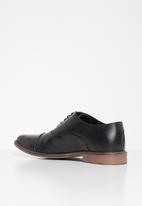 Superbalist - Nathi leather oxford - black