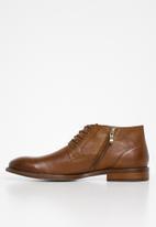 POLO - Collin leather distressed boot - tan