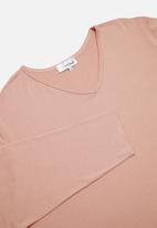 Superbalist - V-neck sleep top & pants set - dusty pink