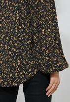 Superbalist - Key hole blouse - black & yellow