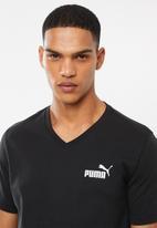 PUMA - Ess+ v neck tee - black