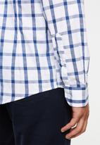Pringle of Scotland - Maverick tailored shirt - white & blue