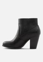 Call It Spring - Ocayssa1 boot - black