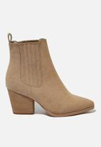 Cotton On - Jolene gusset boot - taupe