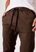 Cotton On - Drake cuffed pant - washed chocolate