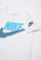 Nike - Nike futura smiles swoosh short sleeve tee - white
