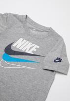Nike - Nike multi branded short sleeve tee - grey