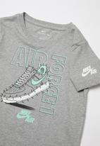 Nike - Nike connect the dots shorts sleeve tee - grey