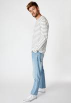 Cotton On - Easy stripe tbar premium long sleeve tee - White & navy
