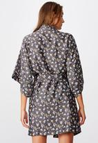 Cotton On - Satin kimono gown - folk floral iron