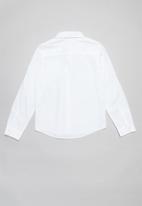 GUESS - Long sleeve Guess tab core shirt - white