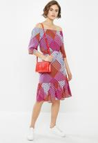 Jacqueline de Yong - Star off shoulder dress - multi