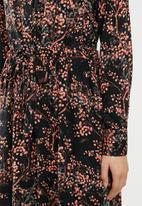 Jacqueline de Yong - Trista long sleeve dress - black & peach