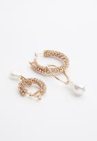 Superbalist - Jodi faux pearl earrings - gold