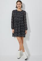 Superbalist - Chiffon babydoll dress - black & white