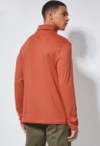 Superbalist - Plain roll neck 2 Pack tees - black & rust