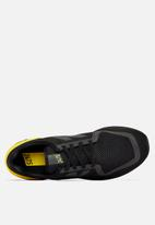 New Balance  - 247 Sport - black / yellow