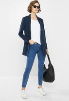 Jacqueline de Yong - One catia treat long sleeve blazer - navy
