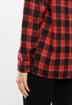 Missguided - Oversized brushed check shirt - red & black