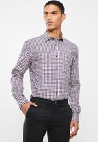 POLO - Liam signature long sleeve gingham shirt - navy & red