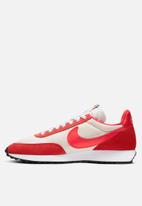 Nike - Air Tailwind 79 - sail / track red-white-habanero red